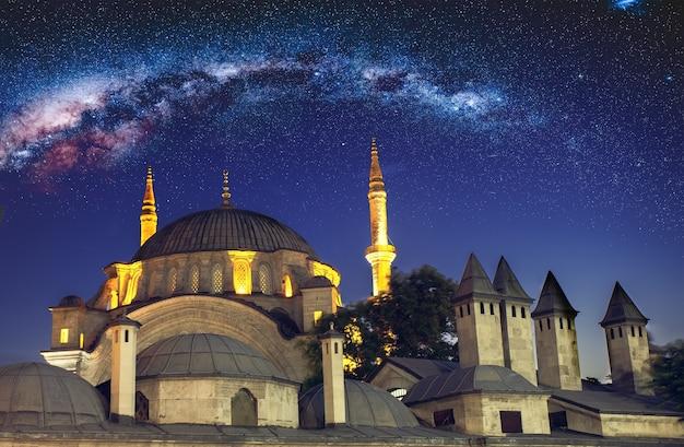 イスタンブールの新しいモスク