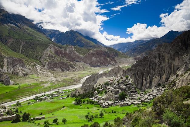 美しい山の風景。自然の背景