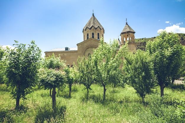 木と古代の教会