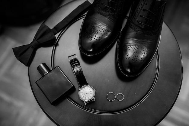 男性の結婚式の靴