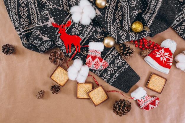 クラフト用紙の背景にクリスマス背景レイアウト