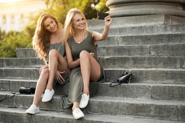 女の子の友達
