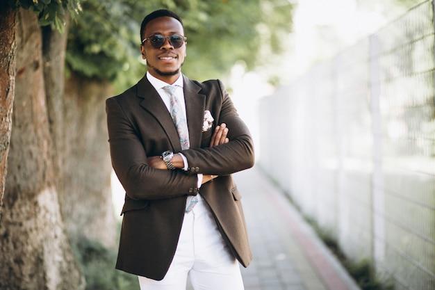アフリカ系アメリカ人、ビジネスマン、スーツ