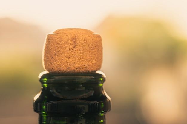 シャンパンやワインからのコルクをクローズアップ