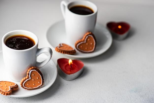 コーヒーとクッキーの聖バレンタインの日の概念