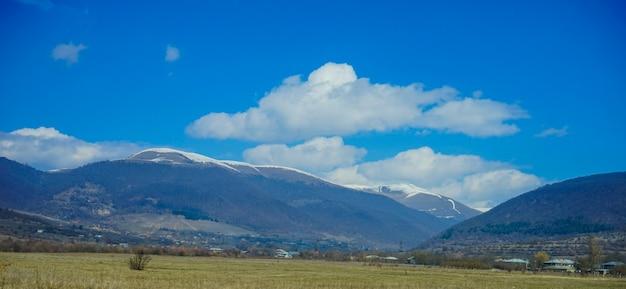 ジョージアの山の風景