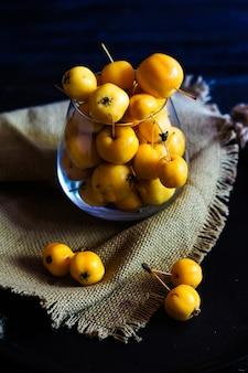 Осенняя концепция с крабовыми яблоками