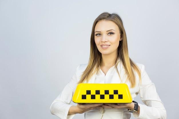 タクシーガールディスパッチャーおよびタクシーのトピックに関するその他の資料