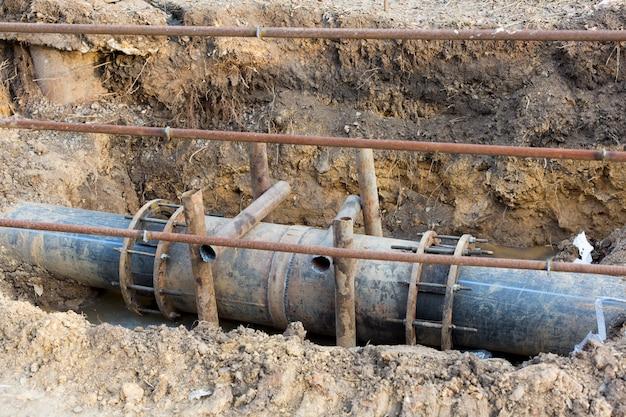 市内の水道管の修理