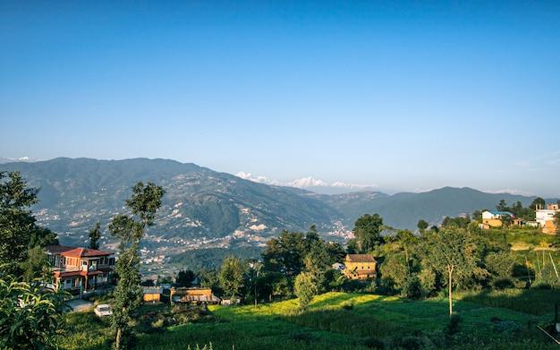 村、カトマンズ、ネパールの美しい風景を見る