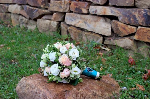 美しいウェディングブーケのクローズアップ。花嫁のブーケ