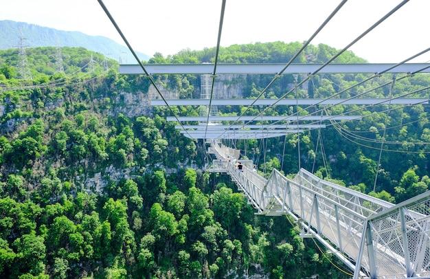 Скайпарк сочи в сочинском национальном парке. самый длинный подвесной пешеходный мост в мире