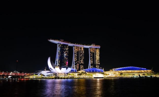 Сингапур, город, залив марина ночью