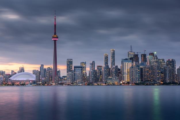 Городские здания торонто и горизонт, канада