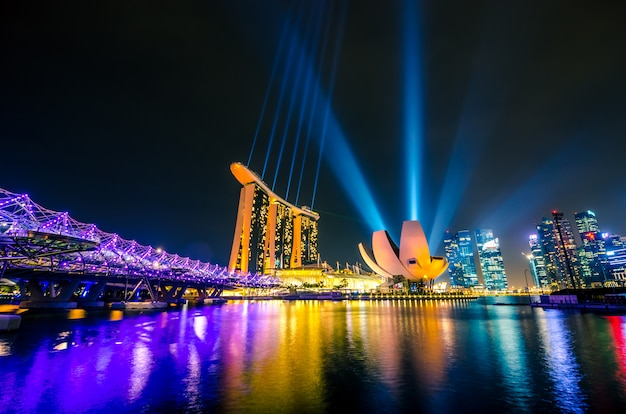 シンガポールの街のスカイライン