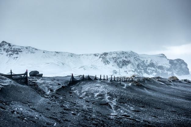アイスランドの美しい冬の風景