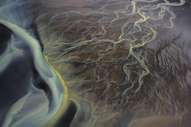 Аэрофотоснимок ледниковых рек в исландии