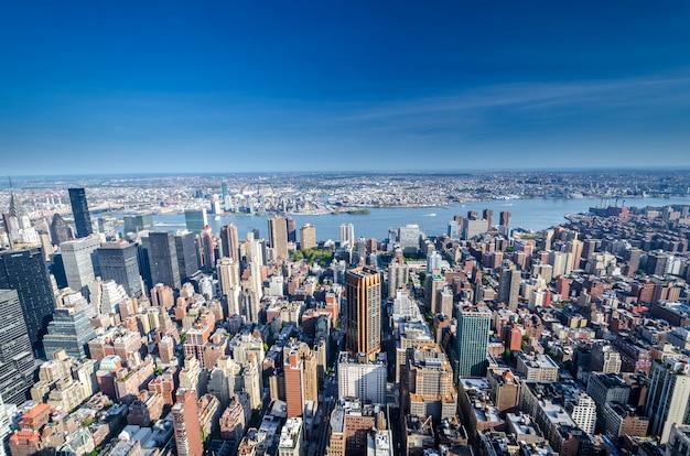 ニューヨークの街のスカイライン、ニューヨーク、アメリカ合衆国