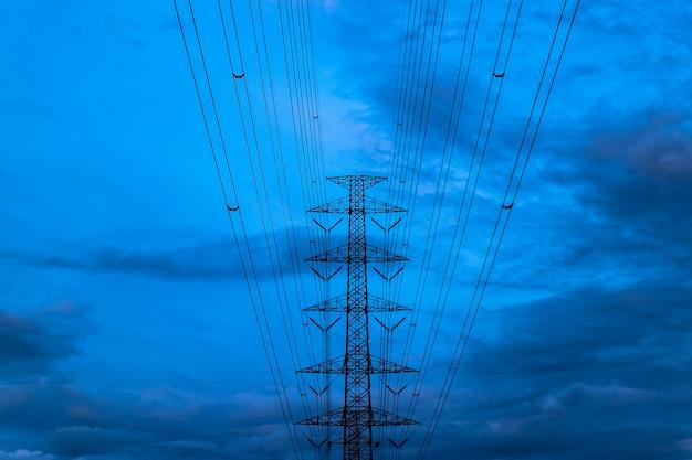 電気のパイロン