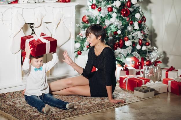 ママにクリスマスプレゼントをあげる