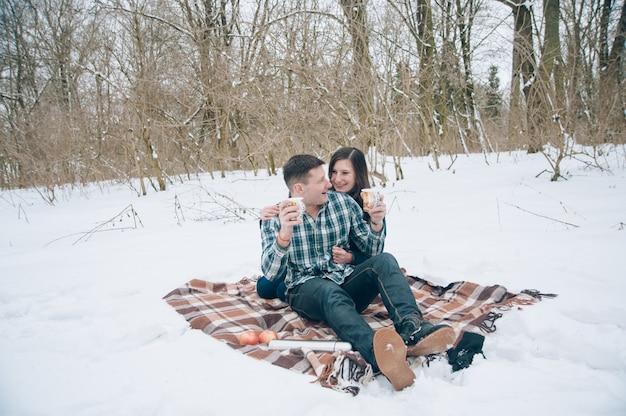 カップルで雪