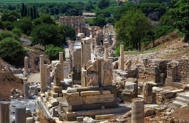 トルコのエフェソス古代都市の遺跡