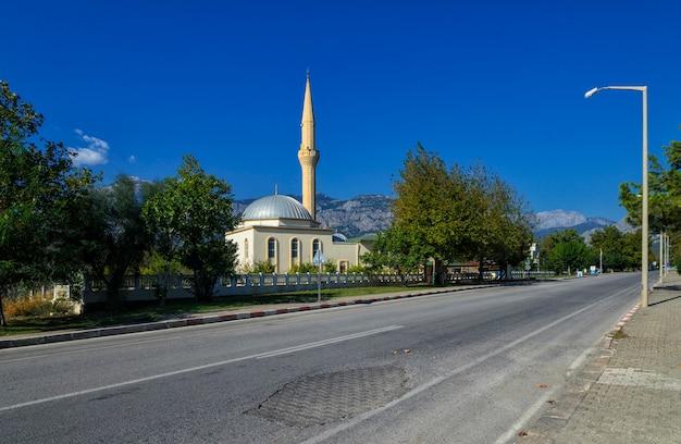 キリシ、ケメル、トルコの都市の都市モスク