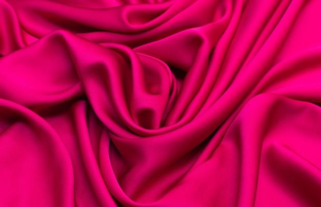 Малиновая шелковая ткань кади