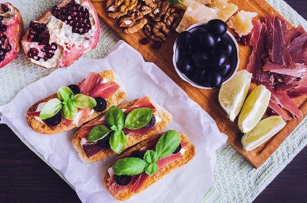 伝統的なイタリアの前菜