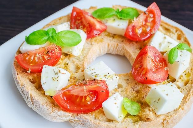 Итальянская закуска фризель