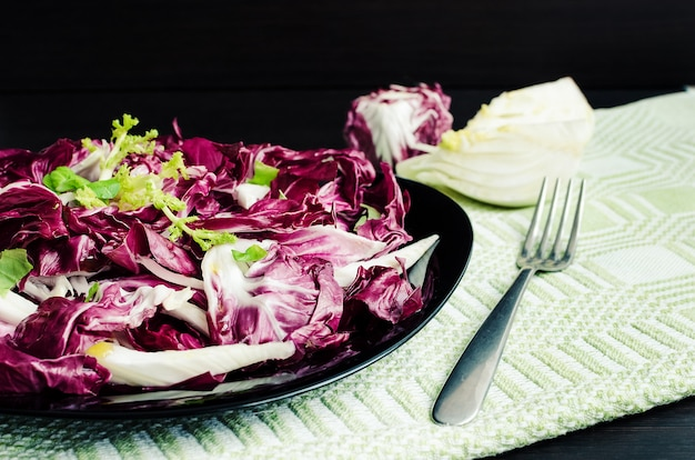 Легкий диетический салат с цикорием и фенхелем