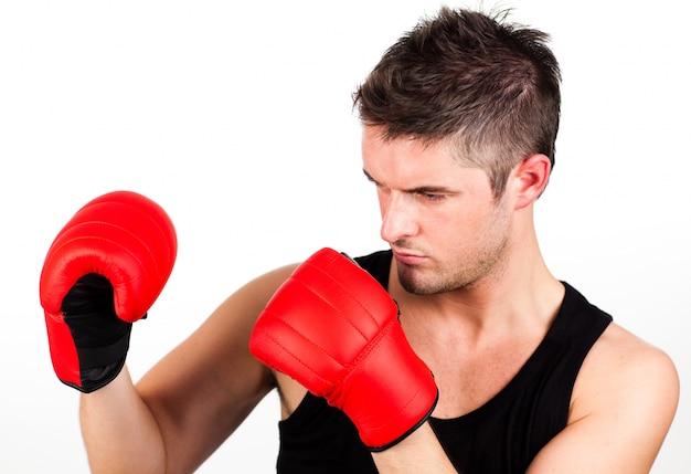 ボクシングの若いアスレチックマンの肖像