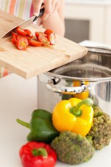 Овощи, вставляемые в кухонный горшок