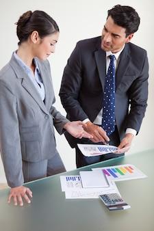 Портрет продавцов, изучающих их результаты
