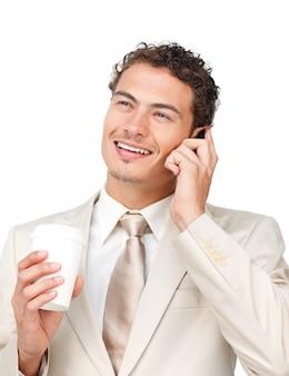 若い、ビジネスマン、電話、コーヒー、飲みながら