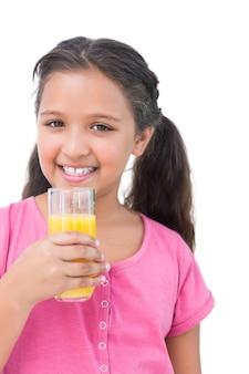 Счастливый девочка, пить апельсиновый сок