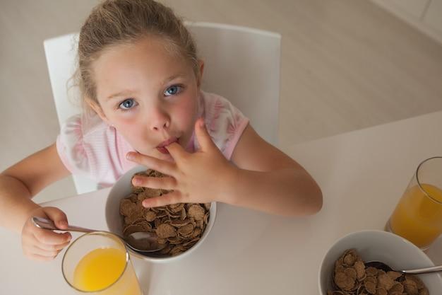 女の子、高く、角度、肖像画、女の子、朝食
