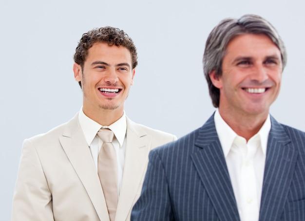 成熟したビジネスマンと彼の同僚の肖像