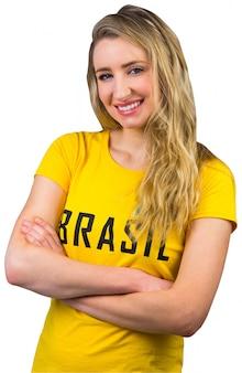 Футбольный болельщик в бризольной футболке