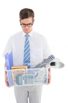 所有物のボックスを解雇した解雇されたビジネスマン