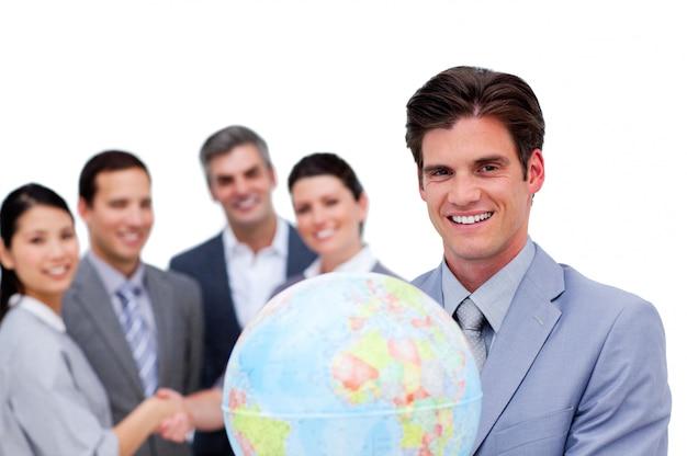 一緒に働く笑顔のビジネスチームの肖像