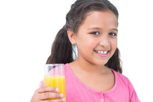 Маленькая девочка, пить апельсиновый