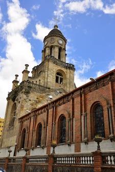 エクアドル、アゾゲス大聖堂