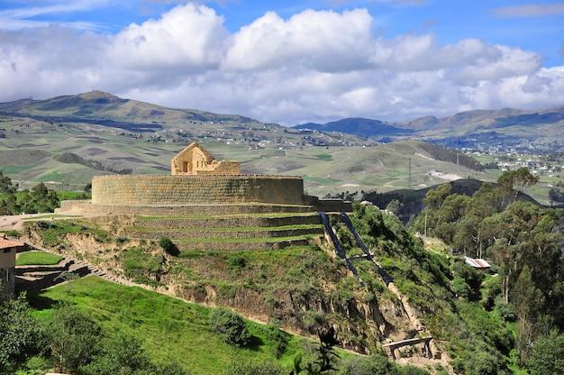 Руины ингапирки, куэнки, эквадора