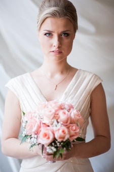 ウェディングブーケと花嫁
