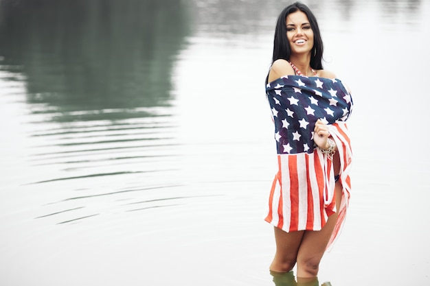 幸せなアメリカ人女性