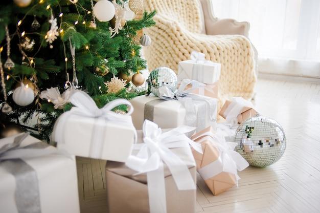 お祝いクリスマスの家の装飾