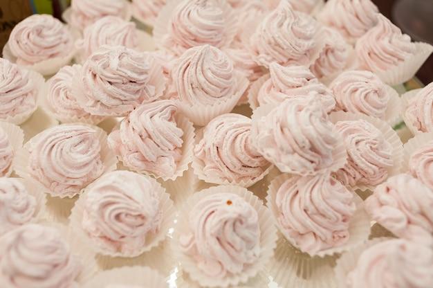 子供の誕生日のためのおいしい甘いデザート
