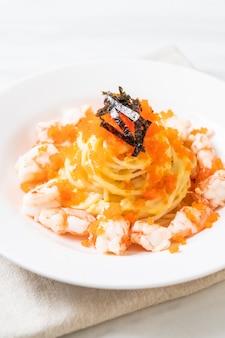 Спагетти сливочное с креветками и креветками