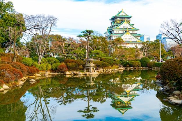 Замок осака в осаке, япония